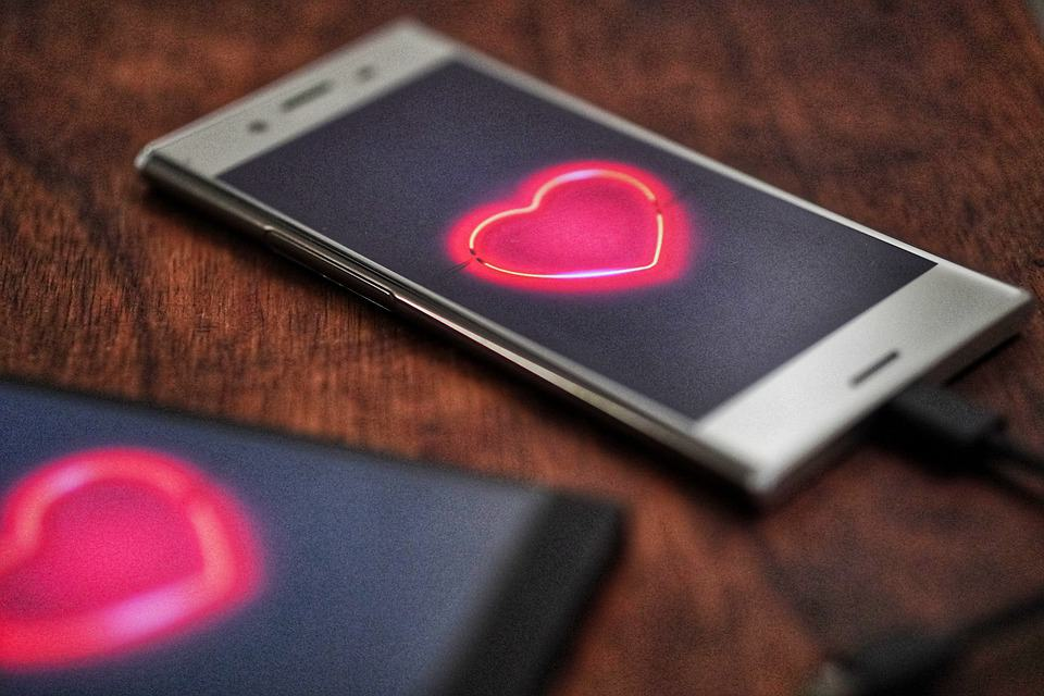how to save a long distance relationship from falling apart